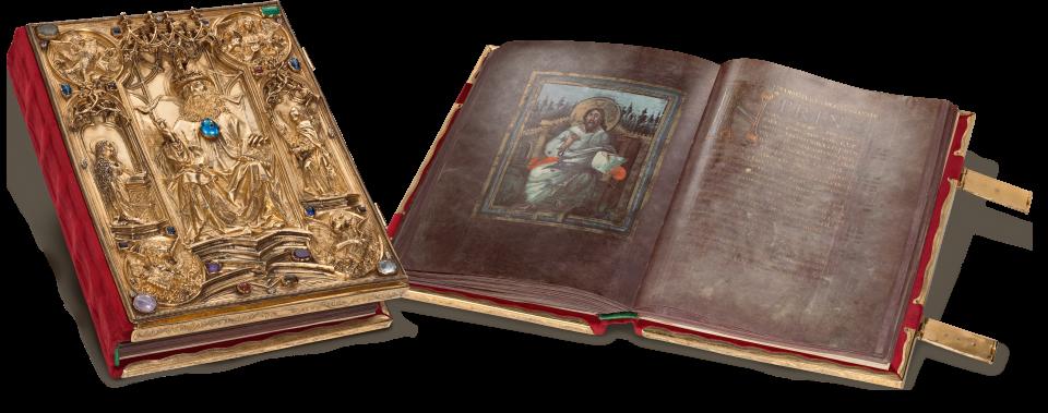 Die karolingische Handschrift und der spätgotische Einband fügen sich trotz des Abstands von 700 Jahren zu einem harmonischen Ganzen.