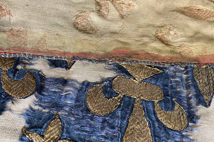 Detail of the chemise binding of the Psalter of Blanche of Castile