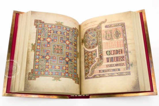 Lindisfarne Gospels, Cotton MS Nero D IV - British Library (London, UK) − photo 1