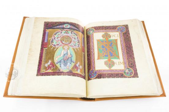 Gospel Book of Otto III, Munich, Bayerische Staatsbibliothek, Clm 4453 − Photo 1