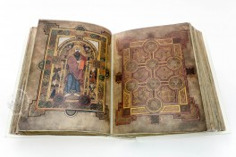 Book of Kells, Ms. 58 (A.I.6) - Library of the Trinity College (Dublin, Ireland), Book of Kells facsimile edition by Faksimile Verlag.